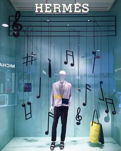 Hitting all the right notes #hermes #visualmerchandising #windowdisplay #retaillife #visualmerchandiser #vmdaily Via @joannetanjw