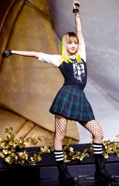BLACKPINK | Lisa | @BLACKPINKOFFICIAL | YG Entertainment rookie