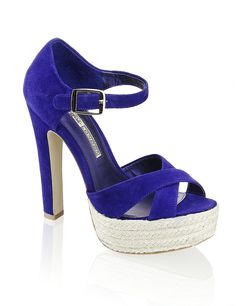 I <3 these shoes. And want them.