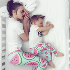 Mommy & me idee Mother And Baby, Mom And Baby, Baby Boy, Mom And Son Outfits, Matching Family Outfits, Photo Zen, Mother Baby Photography, Mother Daughter Fashion, Baby Sewing Projects