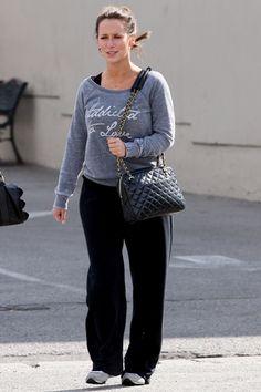 Jennifer Love Hewitt. cozy wear.