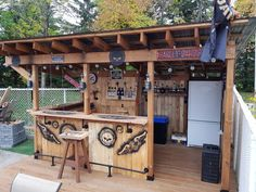 Splendid Backyard ideas - Awe Inpsiring yard information. For extra styling, push the pin link to peruse the article idea 6436633432 this instant Outdoor Tiki Bar, Outdoor Kitchen Bars, Outdoor Kitchen Design, Backyard Kitchen, Backyard Gazebo, Backyard Patio Designs, Diy Patio, Backyard Ideas, Palet Exterior