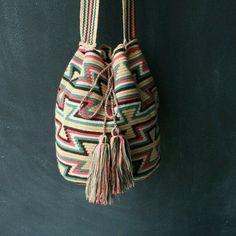 모칠라백 도안 & 패턴 공유(보는방법) : 네이버 블로그 Mochila Crochet, Crochet Tote, Crochet Handbags, Crochet Purses, Diy Crochet, Crochet Stitches, Crochet Patterns, Tapestry Bag, Tapestry Crochet