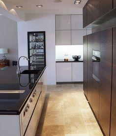 INTUO KÜCHE IN ALTEM HERRENHAUS Modern, Kitchen Cabinets, Design, Home Decor, Mansion, Restaining Kitchen Cabinets, Homemade Home Decor, Trendy Tree, Kitchen Base Cabinets