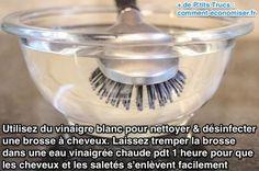 Utilisez du vinaigre blanc pour nettoyer & désinfecter une brosse à cheveux.