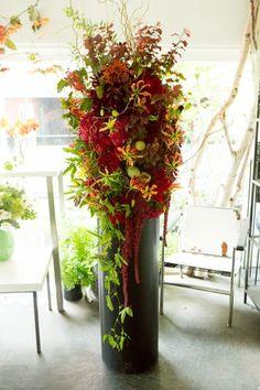スタンドアレンジメント - jardin du I'llony online store Flower Stands, Flower Boxes, My Flower, Exotic Flowers, Tropical Flowers, Beautiful Flowers, Hotel Flower Arrangements, Hotel Flowers, Corporate Flowers