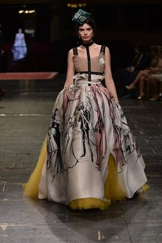 See all the Dolce & Gabbana Alta Moda Haute couture Spring/Summer 2016 photos on Vogue. Fashion Week, Fashion Art, High Fashion, Fashion Show, Fashion Outfits, Fashion Design, Quirky Fashion, Yellow Fashion, Red Carpet Fashion