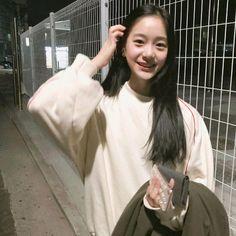 Ulzzang Hair, Ulzzang Kids, Cute Korean Girl, Asian Girl, Girl Pictures, Girl Photos, Beautiful Chinese Girl, Uzzlang Girl, Cute Girl Photo