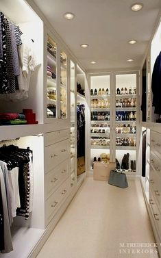 Walk-in Closet.What a clean chic! Walk-in Closet.What a clean chic! Walk-in closet with dust-proof glass doors. Walking Closet, Container Store Closet, Sweet Home, Master Bedroom Closet, Master Suite, Bedroom Closets, Wardrobe Room, Walk In Wardrobe, Walking Wardrobe Ideas