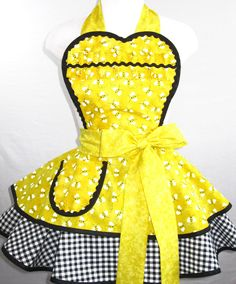 Yellow Bumble Bee Apron with Gingham, inspiration for a DIY apron of my own ;)