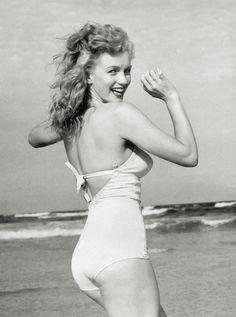 :) Marilyn Monroe. Beautiful girl.