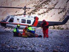 Protección Civil Santa Catarina y Protección Civil Nuevo León preparando equipo para Rescate en la Huasteca.  Cascos EOM Amarillo Brillante y Rojo, con goggles ESS. EMS Mexico  Equipando a los Profesionales