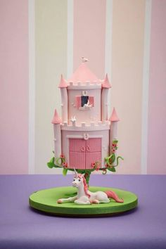 Savory magic cake with roasted peppers and tandoori - Clean Eating Snacks Gravity Defying Cake, Gravity Cake, Fondant Cakes, Cupcake Cakes, Mushroom Cake, Debbie Brown, Cake Frame, Cake Structure, Novelty Cakes