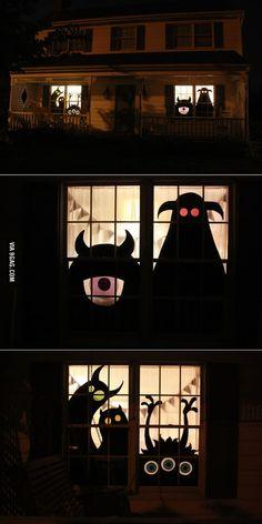 Wooden monster silhouette Halloween decorations! - 9GAG Deco Haloween, Theme Halloween, Halloween Porch, Diy Halloween Decorations, Halloween 2020, Easy Halloween, Holidays Halloween, Halloween Crafts, Halloween Costumes