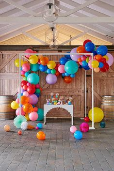 Super Stylish, Super Cool Happy Balloon Garland by Party Designer Brand Poppies for Grace. Create this amazing Balloon Garland goodness at any event! Baloon Garland, Balloon Backdrop, Balloon Decorations, Balloon Ideas, Balloon Wall, Rainbow Party Decorations, Happy Balloons, Rainbow Balloons, Colourful Balloons