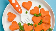 Healthy Valentine's Day Snacks for Kids (February 2013 Pinner: Wissing Wissing McKee) Valentines Day Treats, Holiday Treats, Holiday Foods, Funny Valentine, Holiday Decor, Toddler Meals, Kids Meals, Think Food, Food Humor