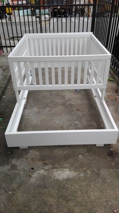 Combo Cama Babilon Con Corral Baby Bedroom, Baby Room Decor, Bedroom Decor, Baby Crib Diy, Baby Cribs, Furniture Plans, Kids Furniture, Kids Decor, Kids Room