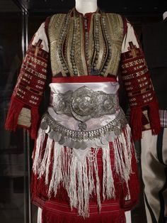 Balkan costume @ The British Museum [http://blog.ruthtomlinson.com/post/6757743018]