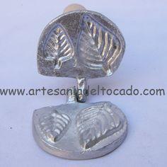 a place to buy new flower press irons. http://www.artesaniadeltocado.com #millinery #judithm #hats