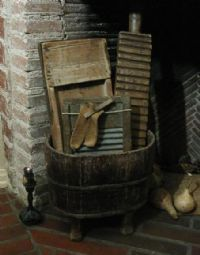 would love this for the laundry room! Prim Decor, Country Decor, Rustic Decor, Country Furniture, Primitive Antiques, Country Primitive, Primitive Laundry Rooms, Wash Tubs, Primitive Gatherings