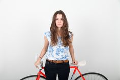 Charlotte and her Romet vintage fixie. l Photo by The Bikerist l More Photos on www.thebikerist.com