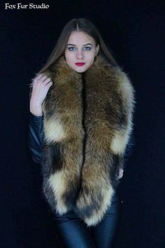 1e2c459e0467 Gold Fox Fur Collar with Real Fox Tails