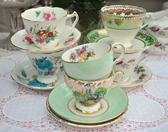 Pretty Vintage Teacups and Saucers by cake-stand-heaven, via Flickr