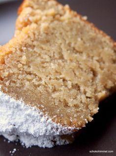 Super juicy apple sauce yoghurt ring cake (or: taste beats optics) - chocolate heaven- Supersaftiger Apfelmus-Joghurt-Gugelhupf (oder: Geschmack schlägt Optik) – Schokohimmel delicious apple sauce yoghurt ring cake - Easy Bread Recipes, Sweet Recipes, Baking Recipes, Cookie Recipes, Dessert Recipes, Vegan Recipes, Cake Vegan, Sweet Bakery, Vegan Sweets