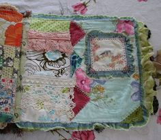Great idea--it appeals to me because it's abstract-looking, so I wouldn't obsess over if my stitches look neat! Journal Covers, Art Journal Pages, Journal Ideas, Fabric Journals, Fabric Books, Art Journals, Fabric Crafts, Textiles, Embroidery