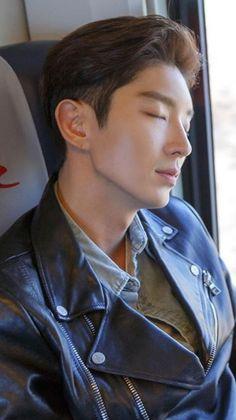 Have a nice dream ❤ Lee Jong Ki, Lee Seung Gi, Asian Actors, Korean Actors, Korean Music, Korean Drama, Lee Joon Gi Wallpaper, Wang So, Lee Jung