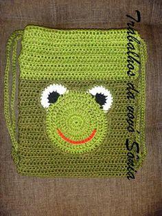Trabalhos da vovó Sônia: Bolsa-mochila infantil sapinho - crochê