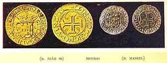 """reis- Em 1837 foi adoptado o sistema decimal para as denominações de moedas, com as primeiras notas emitidas pelo Banco de Portugal em 1847.  reis  Em 1854, Portugal passou a um padrão-ouro de 1000 réis = 1,62585 gramas de ouro fino. Este padrão manteve-se até 1891. As grandes somas eram geralmente expressas em 1.000 réis ou """"mil-réis"""", um termo frequentemente utilizado na literatura portuguesa no século XIX."""