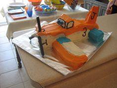 Dusty Crophopper - Joshua's 3rd birthday 3rd Birthday, Birthday Parties, Birthday Cakes, Batman Cakes, Birthdays, Treats, Toys, Planes, Party Ideas