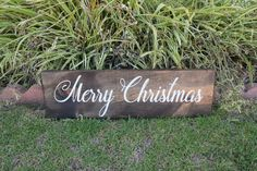 Www.woodlysigns.com Www.instagram.com/woodlysigns #christmasdecor #christmascardphotos