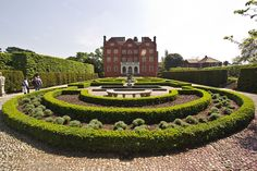 The Queen's Garden at Kew Palace, Kew Gardens, London Kew Gardens, Botanical Gardens, Dutch House, History Of England, Reading At Home, Private Garden, British Isles, Britain, Palace