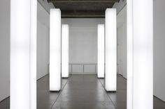 Simon Ungers, Light Installation, acrylic, steel, fluorescent light fixtures, installation view, 2001.