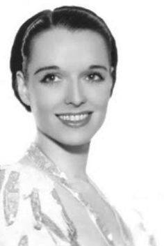 Ran across this photo on the Louise Brooks Society page, probably from around 1935 or so.