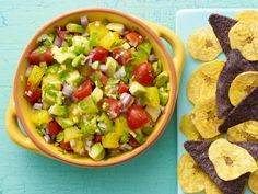 Look at this recipe - Tropical Avocado Salsa - from Food Network Kitchens and other tasty dishes on Food Network. Mexican Food Recipes, Vegan Recipes, Cooking Recipes, Ethnic Recipes, Vegan Snacks, Vegan Appetizers, Savoury Recipes, Avocado Recipes, Appetizer Dips