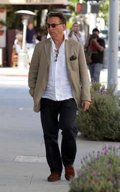 Andy Garcia Photos - Andy Garcia Takes His Daughters to Lunch - Zimbio