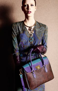 Veronica Etro details - Luv the Paisley design combined bag colours #josephine#vogel