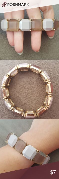 Stretchy square bracelet! Square gems in sheer/opaque purple. Stretchy bracelet with gold plating. Only worn a couple times, have nothing to match it with. Best offer, will give further discount with multiple bundled jewelry items. Charming Charlie Jewelry Bracelets