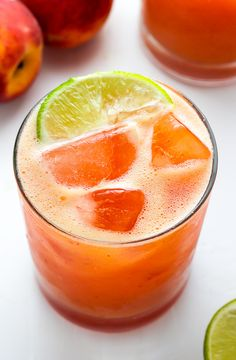 Fun and fruity Fresh Peach Margaritas! Made with fresh peach puree, orange juice, and lime juice. They're so refreshing and the perfect Summer cocktail! Refreshing Summer Cocktails, Cocktails Bar, Party Drinks, Summer Drinks, Fun Drinks, Beverages, Alcoholic Drinks, Fruit Party, Drinks Alcohol