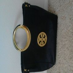 Beautiful purse that has a lot of life in it Blk purse with gold accent comes with shoulder strap Bags