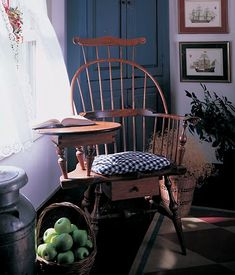 love this Windsor desk chair w/drawer underneath Colonial Furniture, Primitive Furniture, Home Decor Furniture, Country Furniture, Furniture Design, Prim Decor, Country Decor, Primitive Decor, Primitive Tables
