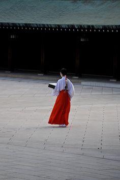 """shinjihi: """"あけましておめでとうございます。 みなさまにとりまして、平成二十七年が素晴らしい年になりますように、心からお祈り申し上げます。 """""""