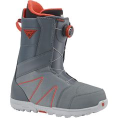 Breaking in new boots is nothing to fear with the Burton Highline Boa® and its Total Comfort construction. With Burton-exclusive science on the inside, you get a broken-in fit that's warm and comfortable right out of the box. Snowboard Equipment, Ski Equipment, Ski Gear, Snowboarding Gear, Best Skis, Ski Boots, Burton Snowboards, Winter Sports, Boots