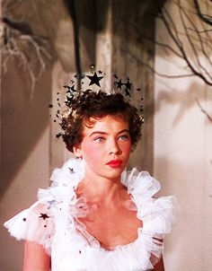 LESLIE CARON-----AN AMERICAN IN PARIS.