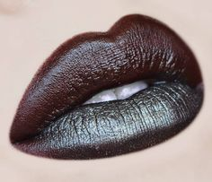 Dark grunge lips #lipstick #lip color #makeup @aspa_shidaqin