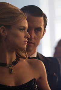 Still of Milo Ventimiglia and Erin Richards in Gotham (2014)