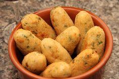 Ingredientes 300 g de bacalhau ling 500 g de mandioca cozida Sal a gosto Pimenta – do – reino a gosto 2 colheres (sopa) de salsa picada 1... Read More »